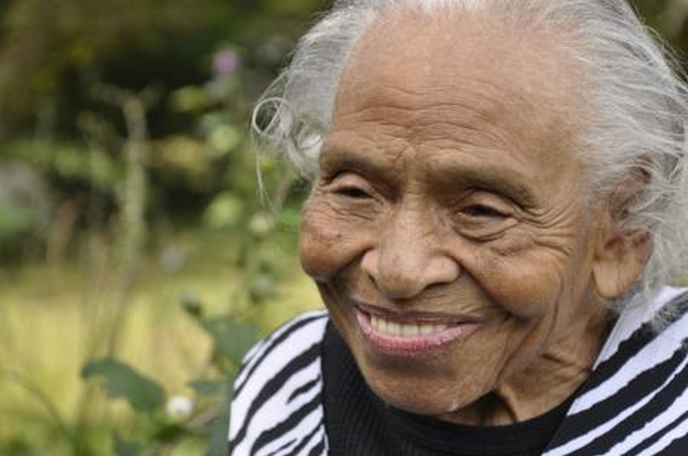 age spots removal - photo of olivia j hooker african american hero - the natural health dictionary - thenaturalhealthdictionary.com - 450x299_q751
