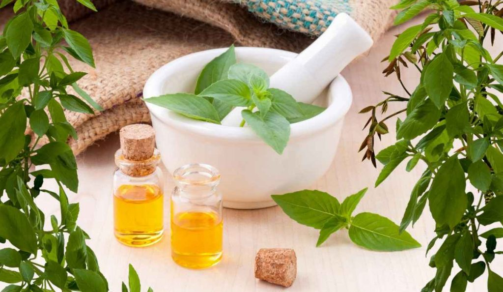 aromatherapy massage - the natural health dictionary - thenaturalhealthdictionary.com - 7f8331023fe7a4dbf32a86e7eb70-1435367